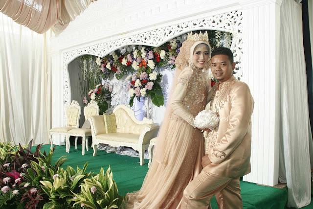 Pernikahan dengan busana muslim jilbab modern