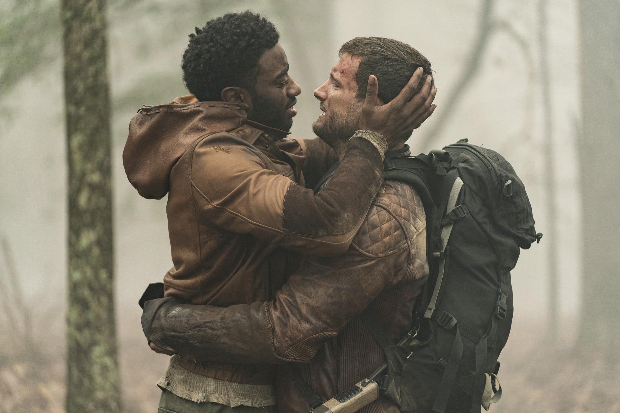Felix se reencuentra con su novio Will en el bosque en la Season Finale de The Walking Dead World Beyond