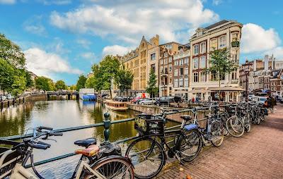 هولندا,توسع,نطاق,تحذيرها,لمواطنيها,من,السفر,إلى,النمسا