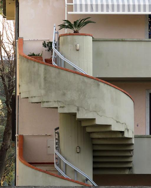 Scala a chiocciola, Via Ferrigni, Livorno
