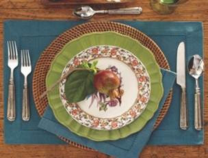 tabletop+4 Holiday Table Setting Ideas 18