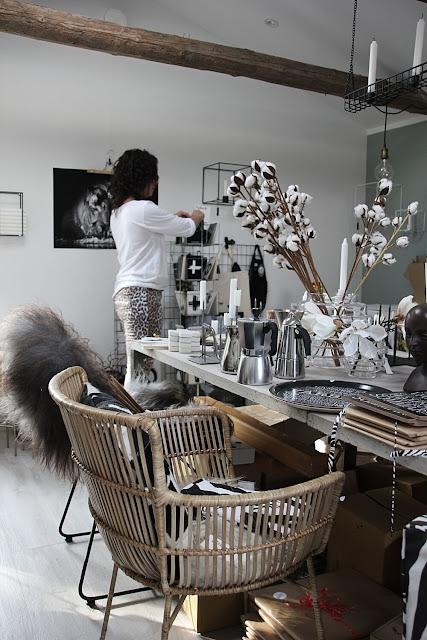 annelies design, webbutik, webbutiker, webshop, nätbutik, butik, varberg, zebra, grytlapp, hjort, tavla, tavlor, ljushållare, förvaring, ljus, stearinljus, stearinljusen, vägg, väggen,