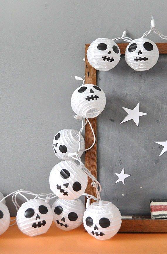 diy para decorar en halloween con guirnaldas luminosas terroríficas fácil y económico