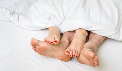 Pasangan Suami Istri, Akhir Pekan Saatnya Berhubungan Intim