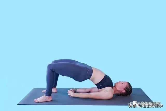 女生想要調整圓肩駝背,提升氣質,這10動作每天做!(改善身體姿態)