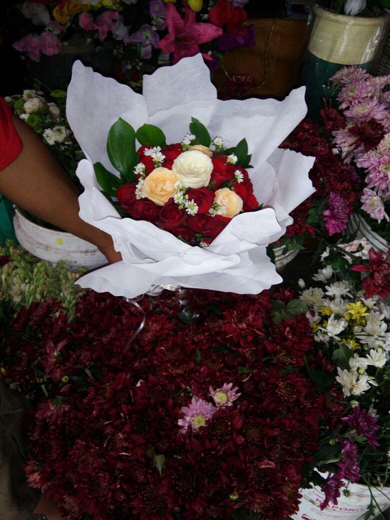 Bogor Florist merupakan salah satu toko bunga (florist) online murah berkualitas, jangkauan Jakarta, Bogor,Depok, Tangerang, Bekasi, Sukabumi, Cibinong dan daerah-daerah sekitarnya