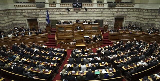Κοινοβουλευτική μάχη για την παροχή ψήφου εμπιστοσύνης