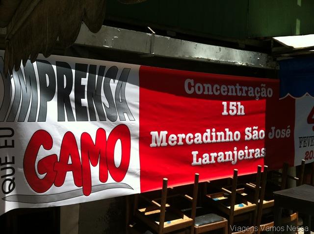 Concentração do Bloco Imprensa que eu Gamo no Mercadinho São José