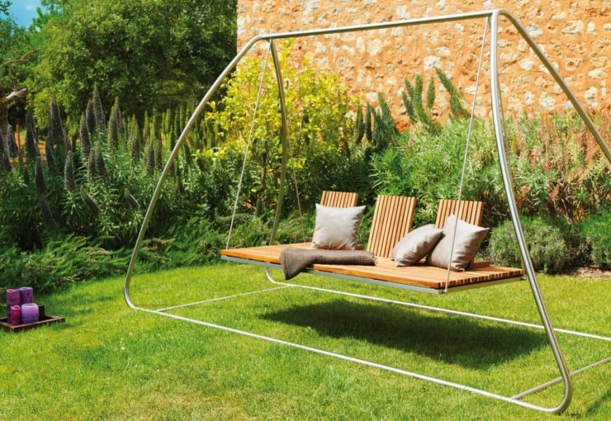 Garden Decor.. Sleek and airy.