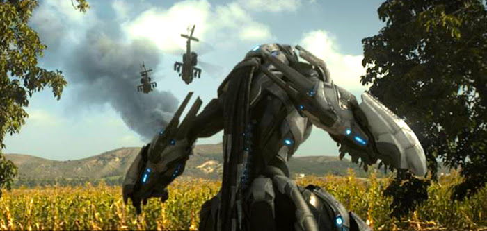 Creatura robotică extraterestră din filmul sci-fi Envoy