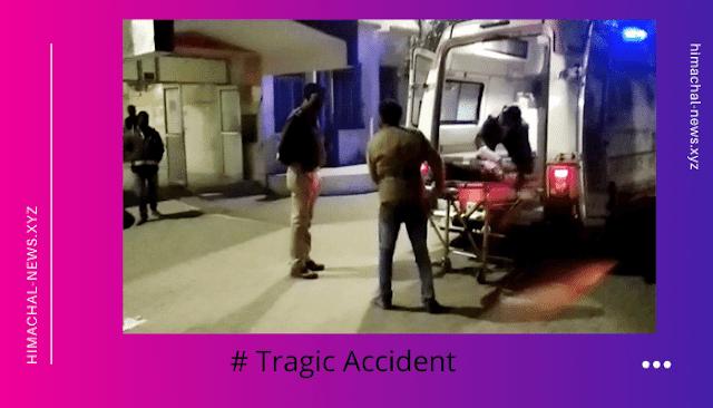 # Tragic Accident: बारातियों से भरी एक कार(car) एक खड़े ट्रक(truck) में जा घुसी, छह बच्चों सहित 14 की हुई मौत