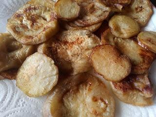 Patatas fritas, antes dado un hervor.