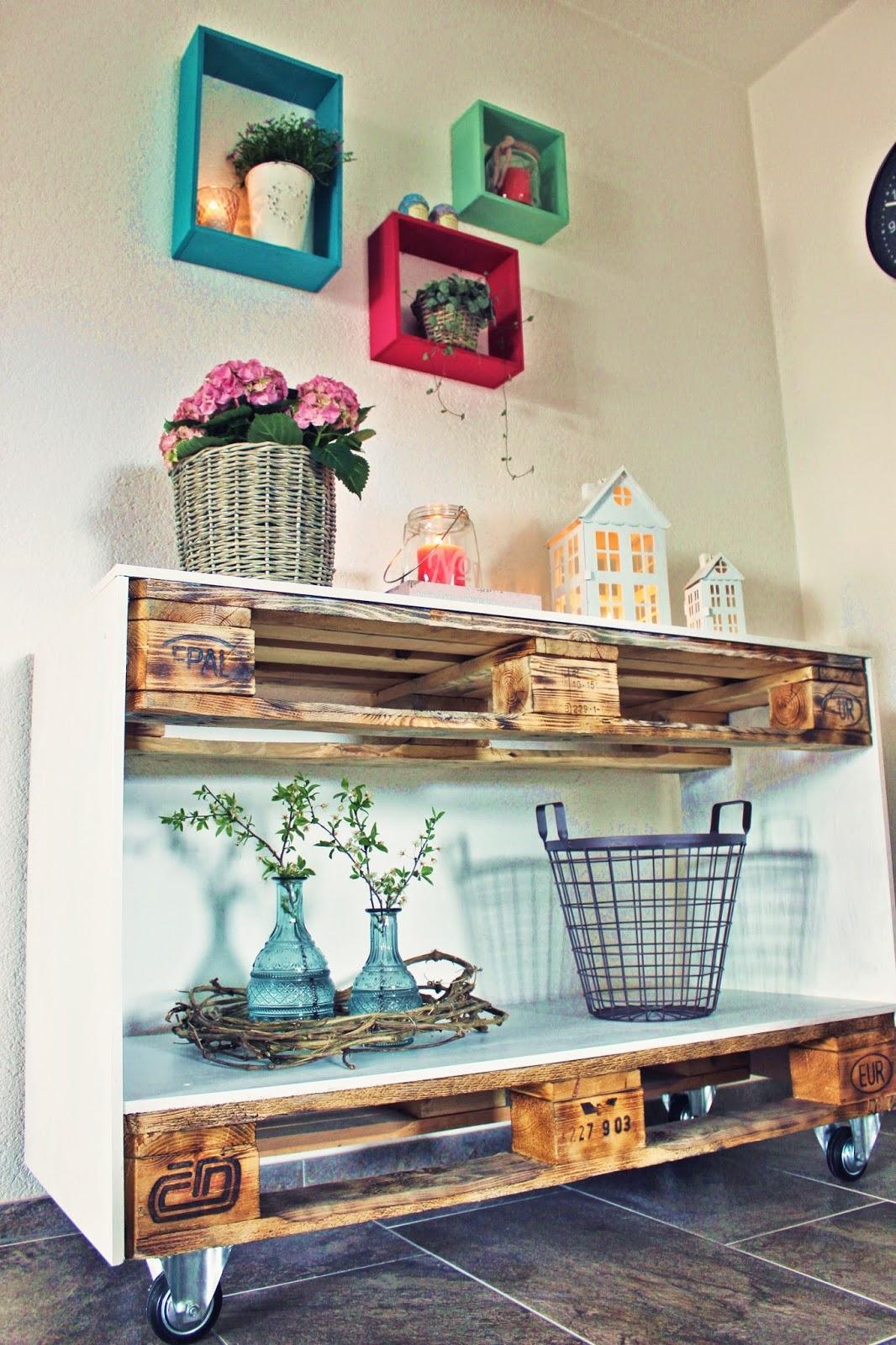 s 39 bastelkistle mobiles sideboard aus paletten. Black Bedroom Furniture Sets. Home Design Ideas