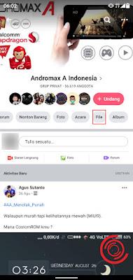 1. Silakan kalian buka grup Facebook yang ingin dilihat file grup nya lalu pilih menu File