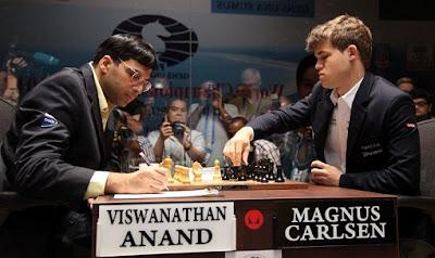 En novembre 2013, Anand affronte le vainqueur du tournoi des candidats de Londres 2013, Magnus Carlsen et perd son titre