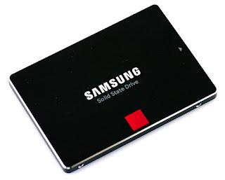 Bagian atas SSD