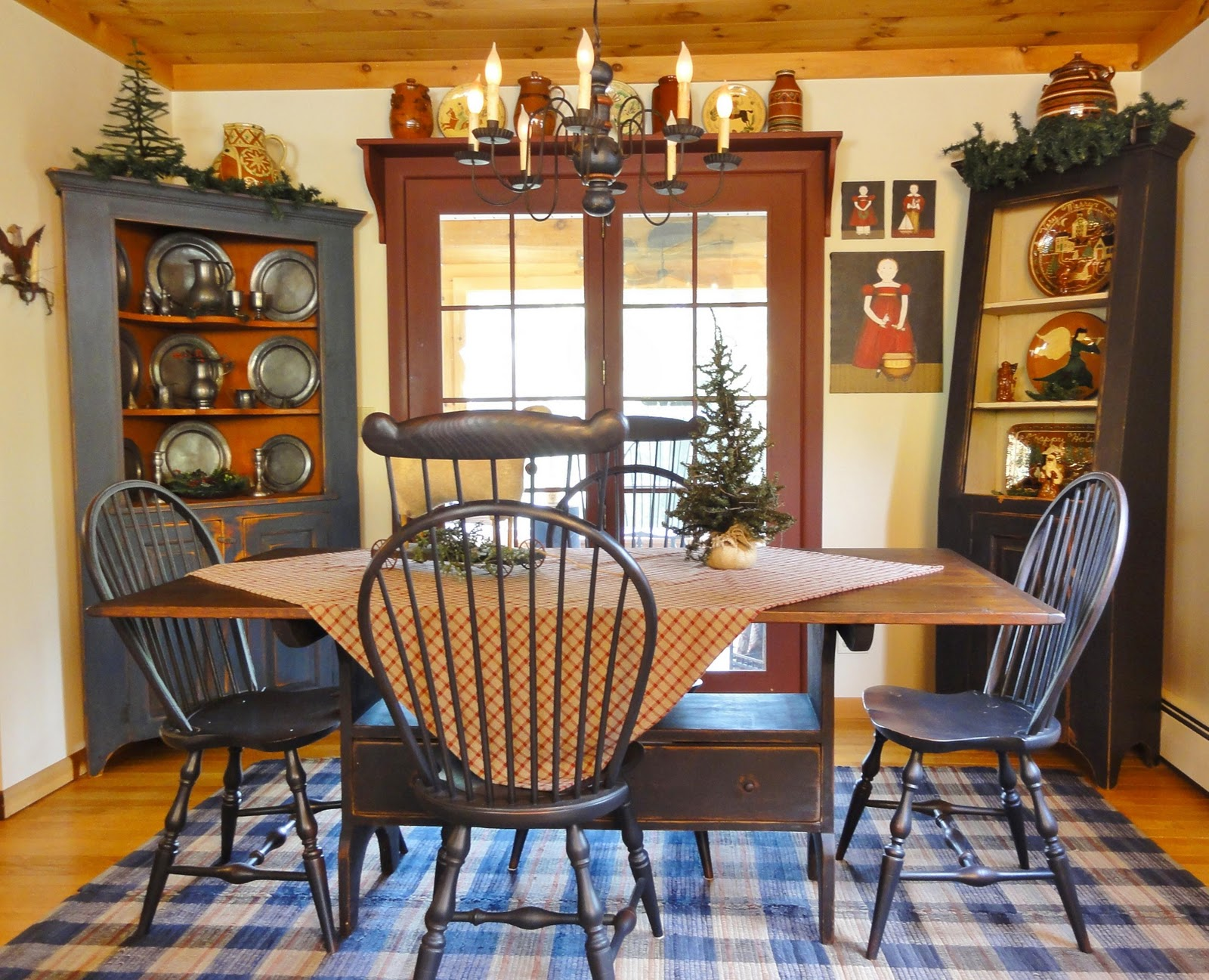Colonial Dining Room Furniture: A Primitive Place & Country Journal Magazine: Holiday 2011