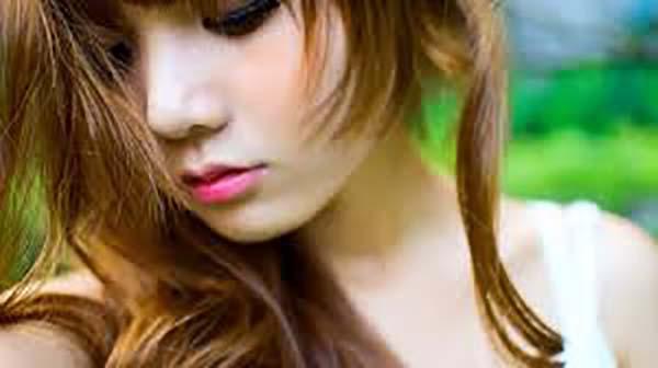 Phun môi có hại không?
