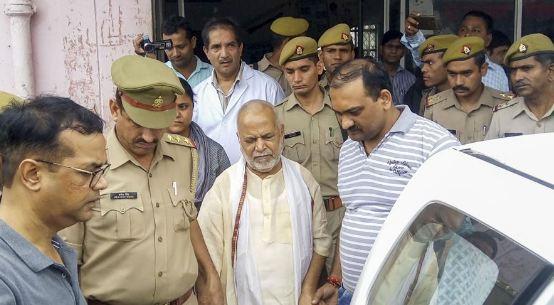 स्वामी चिन्मयानंद ने कबूला जुर्म... - newsonfloor.com