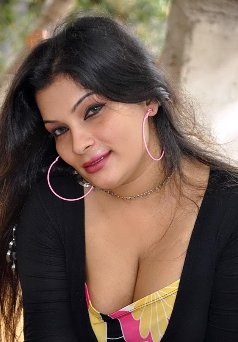 Young Hot Deeksha Seth  naked (65 fotos), Twitter, cleavage