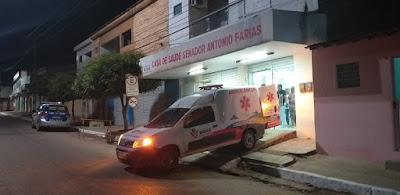 Buíque: Após se envolver numa briga na noite desta terça-feira (16) homem e esfaqueado na principal  praça no centro da cidade