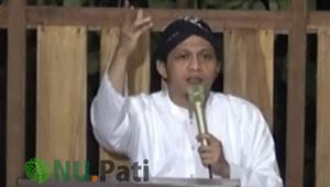 Santri Milineal, KH Abdullah Umar Fayumi (Gus Umar)