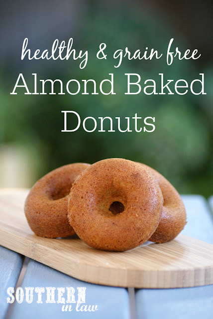 Easy Four Ingredient Sugar Free Baked Donuts Recipe | healthy, low fat, gluten free, no butter, no oil, clean eating friendly, refined sugar free, dairy free, low calorie
