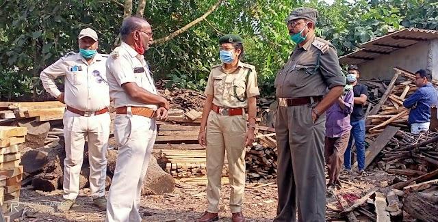 टीपी की आड़ में लकड़ी का अवैध कारोबार कर रहे मौदहापारा स्थित शंकर सॉ मिल सील