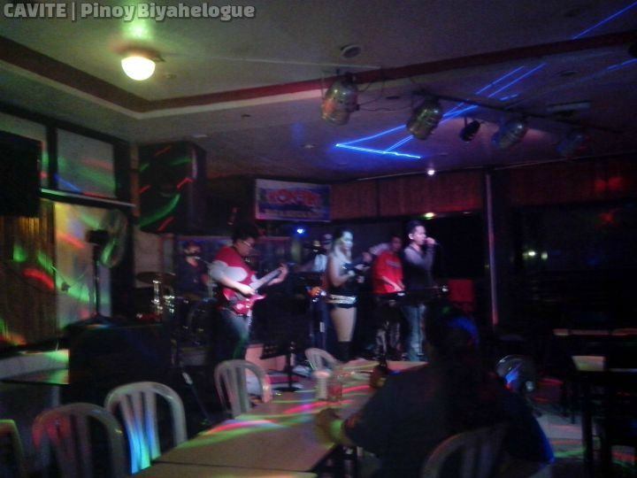 Kon-tiki Bar's live band