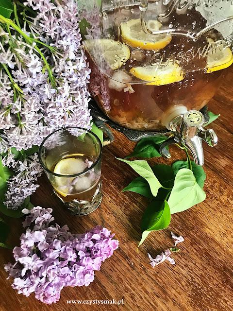 Lemoniada z bzu lilaka