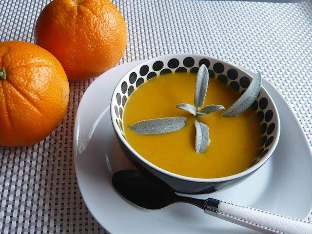 Zupa krem z marchewki, mleka kokosowego i soku z pomarańczy - Czytaj więcej »