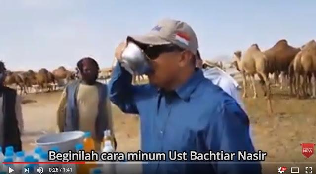 Alamak, Di Saudi, Bachtiar Nasir Minum Air Kencing Unta Dan Ajak Orang Untuk Coba