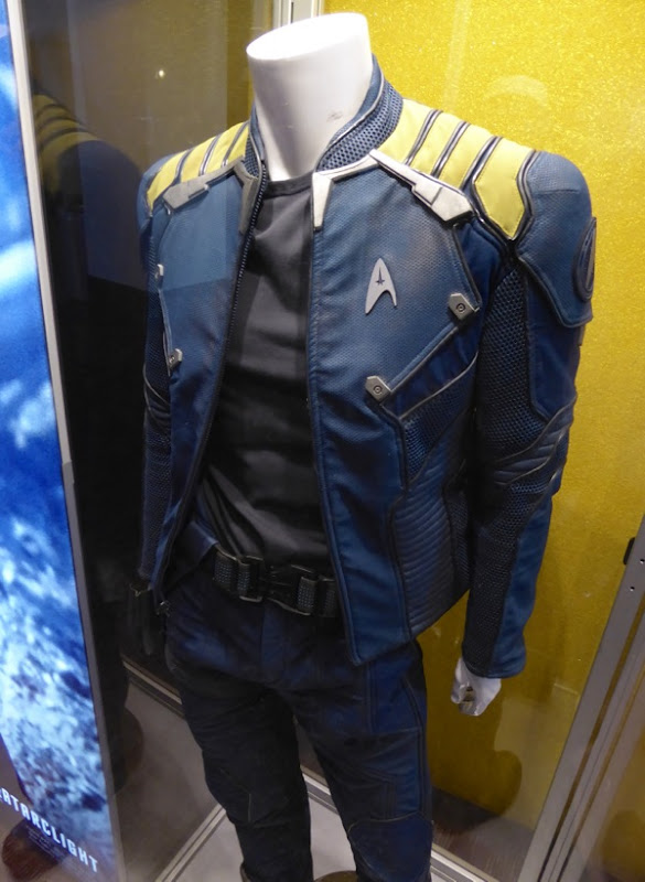 Captain Kirk Starfleet jacket Star Trek: Beyond