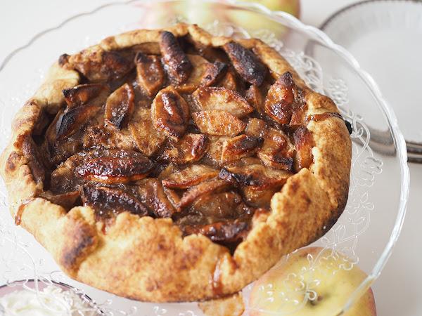 Omena galette eli rustiikki ranskalainen maalaisomenapiirakka