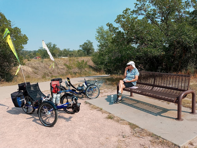 Lunch stop on the Rock Island Trail