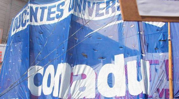 Paran más de 50 universidades públicas en Argentina