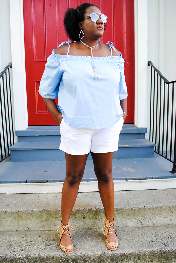 Off the shoulder tops and dresses have been my favorite things about this summer. I honestly can't get enough and my closet (and wallet!) have been begging for me to stop! I'm really excited to bring this trend into fall and pair it with my favorite jeans and booties. Until then this off shoulder top from H&M will be in (what's left of) my summer rotation. Keep reading to see more of this cool blue outfit!