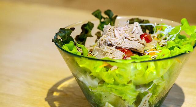Düşük Karbonhidratlı Ton Balığı Salatası Tarifi-www.viphanimlar.com