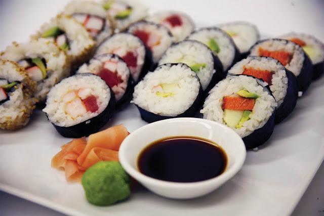 Makanan Terenak di Dunia sushi