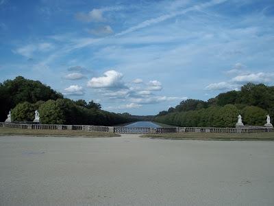 Jardim ao fundo do Castelo - Fontainebleau - França
