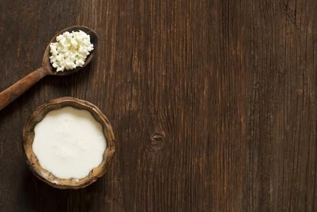 Kefir: o que é, benefícios e como fazer (de leite ou de água)