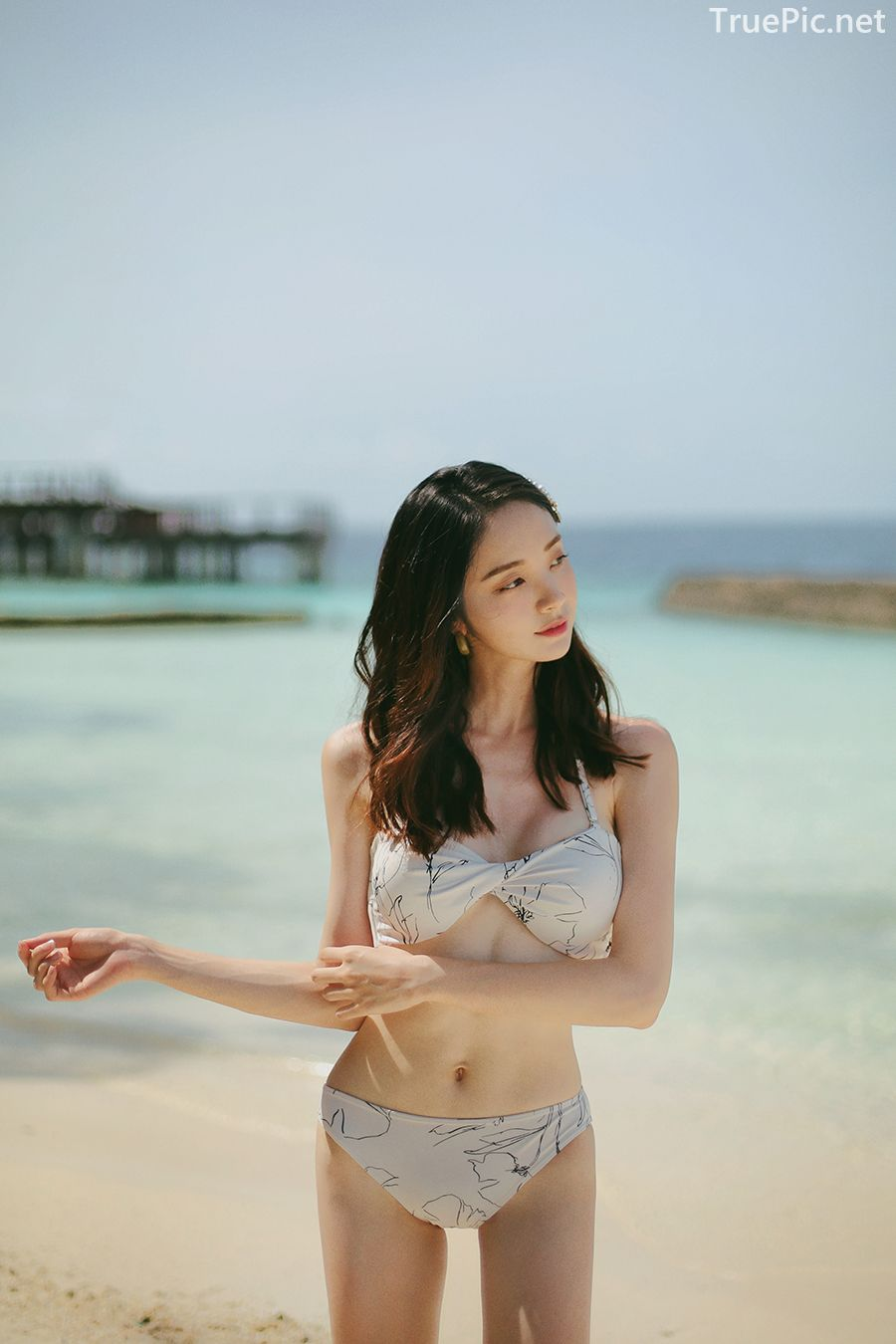 Korean model and fashion - Jeong Hee - The flower in your bikini - Picture 1