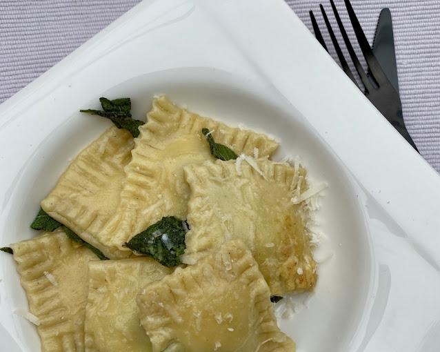 Domácí ravioli con ricotta e spinaci - s ricottou a špenátem