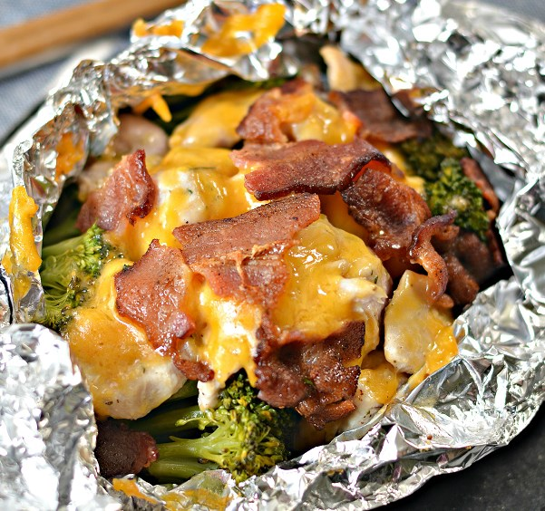 Chicken Bacon Ranch Foil Packets #dinner #familyrecipe