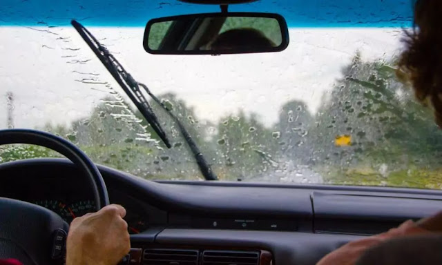 Tips on Car Maintenance and Safe Driving for the Rainy Day
