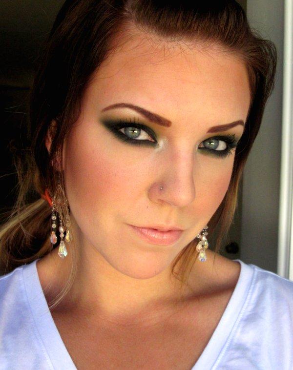 The Beautiful Life Of The Girl Next Door: Green Eyes