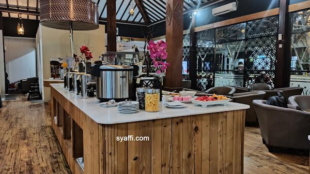 Menikmati Fasilitas di Anggrek Executive Lounge Stasiun Yogyakarta