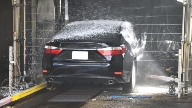 manfaat rutin mencuci mobil