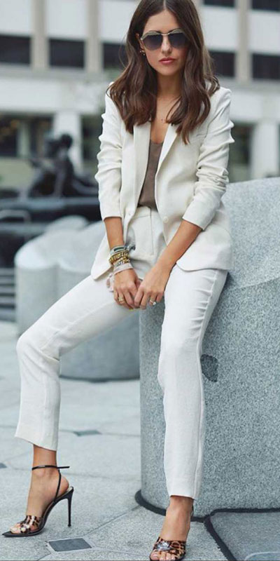 Looking forward to walking your workspace with style? Check out these 24 Stylish Summer Work Outfits for Women that are Office-friendly. Work Wear via higiggle.com | white Blazer + pants | #summeroutfits #office #workoutfits #blazer
