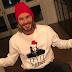 Τα Χριστουγεννιάτικα πουλόβερ είναι μόδα και ο David Beckham το γνωρίζει καλύτερα από όλους